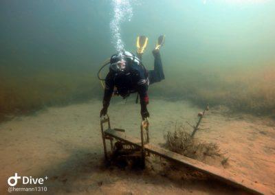 Taucher findet unterwasser Attratkivität